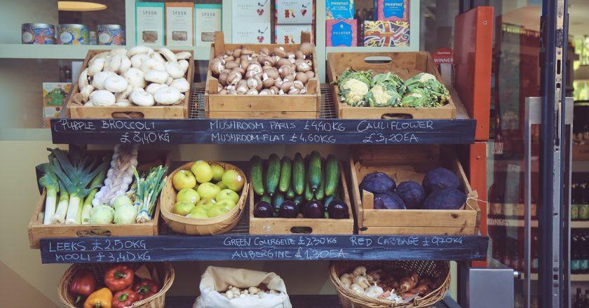Jak bezpiecznie kupować żywność w dobie koronawirusa?
