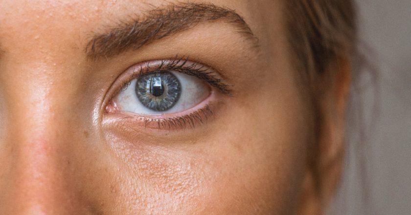 Sprawdzone sposoby na cienie pod oczami